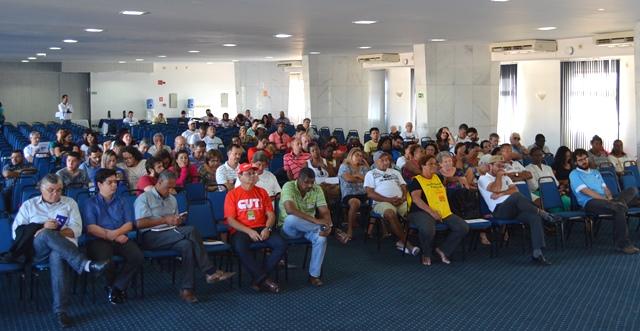 Foram avaliadas as manifestações e atos que ocorreram em todo país por diversas entidades sindicais e aprovadas iniciativas importantes